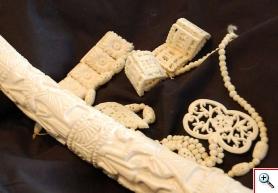 Biżuteria z kości słoniowej - fot. Borys Kala
